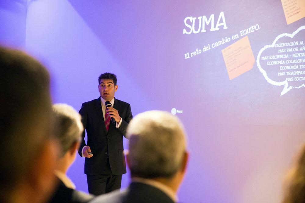 El director de Suma Gestión Tributaria, Manuel Bonilla, durante su intervención en el desayuno tecnológico