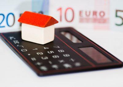 Quines garanties cal aportar quan se sol·licita un ajornament del pagament o un fraccionament?