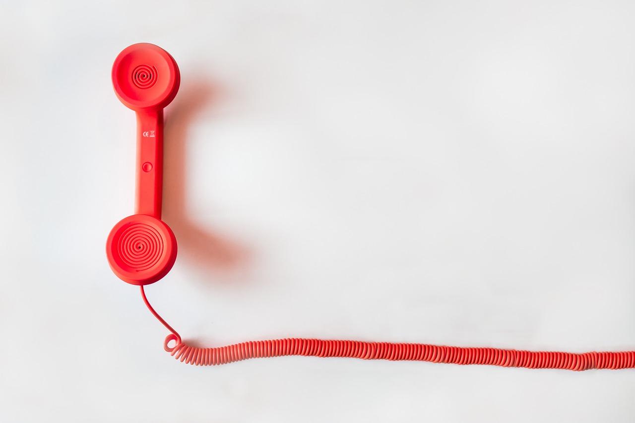 ¿Sabes que se pueden hacer muchos trámites por teléfono en el 965 292 000?